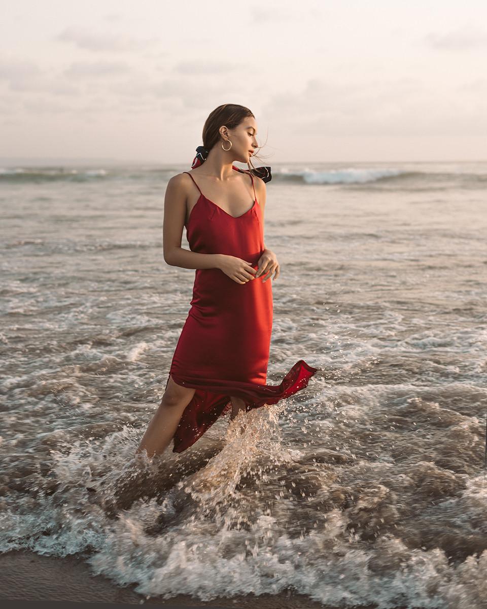 MIDNIGHT SLIP DRESS RED